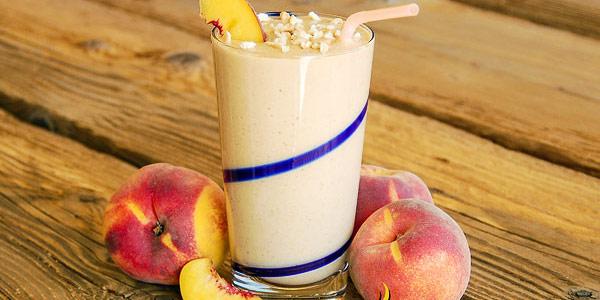 Peach Cobbler Smoothie Milk Shake
