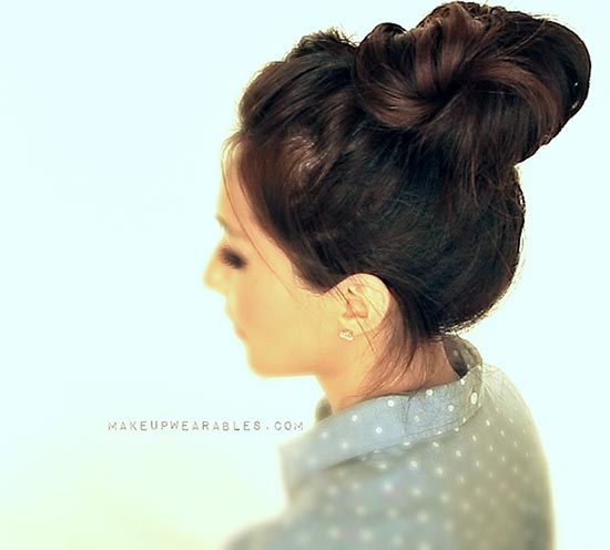 8 easy messy buns for long hair diy messy bun for long hair urmus Gallery