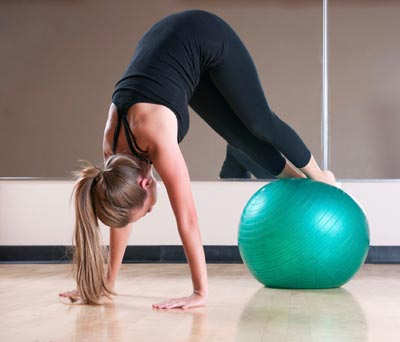 25-swiss-ball-exercises-tone-your-whole-body