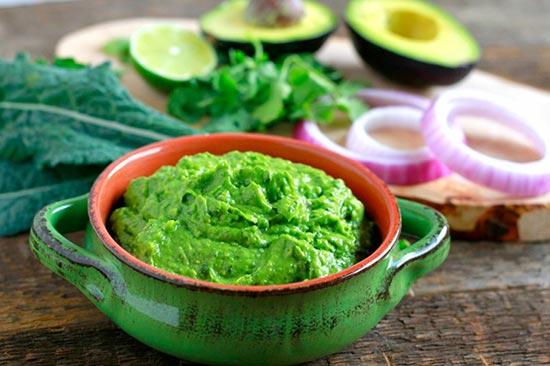 Kale-Guacamole